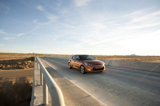 Hyundai Veloster anunta un consum pe autostrada de 40 mpg (circa 5,8 litri/100 km(