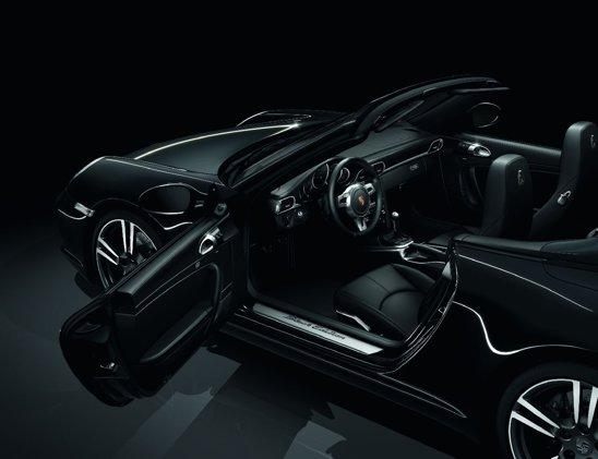 Interiorul lui Porsche 911 Black Edition va fi, bineinteles, negru, cu o dotare de top