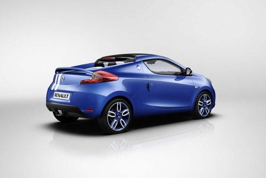 Exteriorul lui Renault Wind Gordini se diferentiaza prin culoarea albastra si jantele speciale