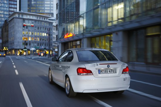BMW ActiveE are un motor electric de 170 CP si 250 Nm, valori similare cu ale lui BMW 120i