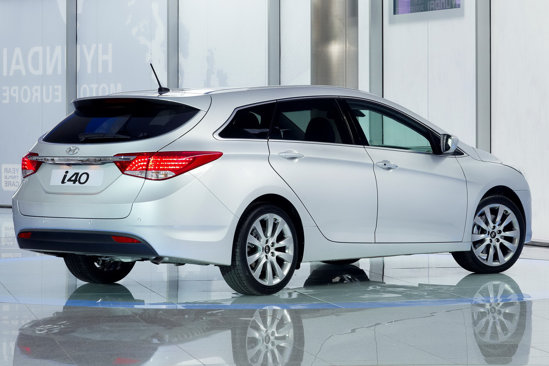 Hyundai i40 - primele poze oficiale cu noul model de clasa medie pentru Europa
