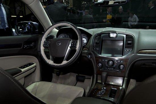 Interiorul lui Lancia Thema va beneficia de un program amplu de personalizare
