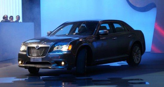 Lancia Thema este de fapt Chrysler 300 cu foarte mici modificari