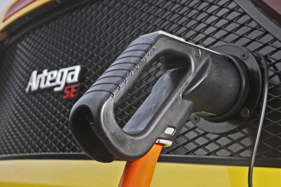 Deocamdata nu stim autonomia lui Artega GT SE, iar pretul il vom afla la Frankfurt 2011