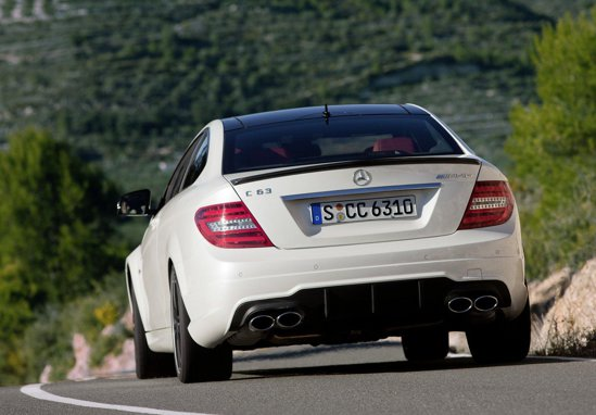 Mercedes-Benz C 63 AMG Coupe - se poate opta pentru pachetul AMG Performance, cu 30 CP mai mult