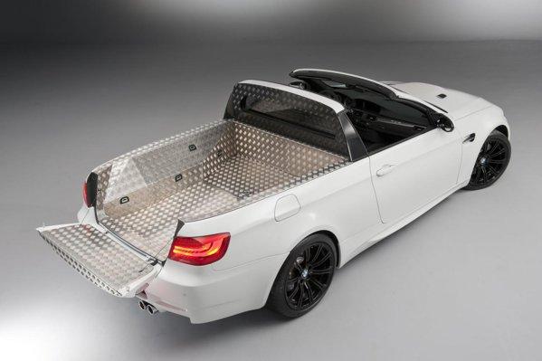 In bena lui BMW M3 Pick-Up se pot incarca 20 se saci de golf, iar sarcina utila este de 450 kg