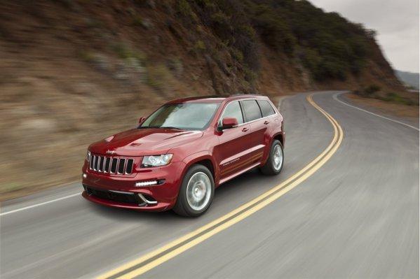 Noua versiune Jeep Grand Cherokee SRT8 are un motor V8 de 6,4 litri si 465 CP