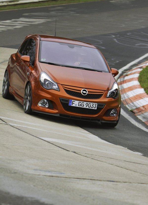 Opel Corsa OPC Nurburgring Edition costa peste 27.000 euro si va fi produs in 500 exemplare