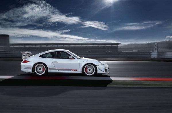 Porsche 911 GT3 RS 4.0 va porni de la 200.000 euro si va fi produs in 600 de exemplare