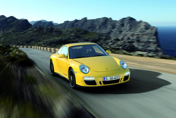 Noua versiune cu tractiune integrala Porsche 911 Carrera 4 GTS