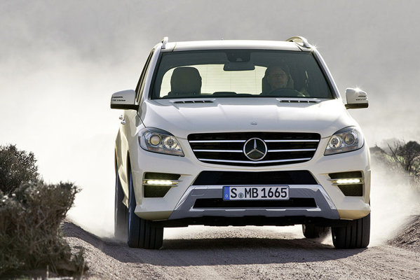 Noul Mercedes Benz ML va fi oferit la inceput cu doua motoare diesel si unul pe benzina