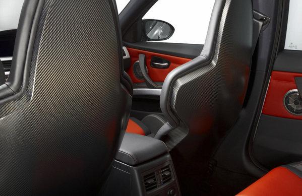 Spatarele scaunelor din BMW M3 CRT sunt realizate prin noua tehnologie CFRP