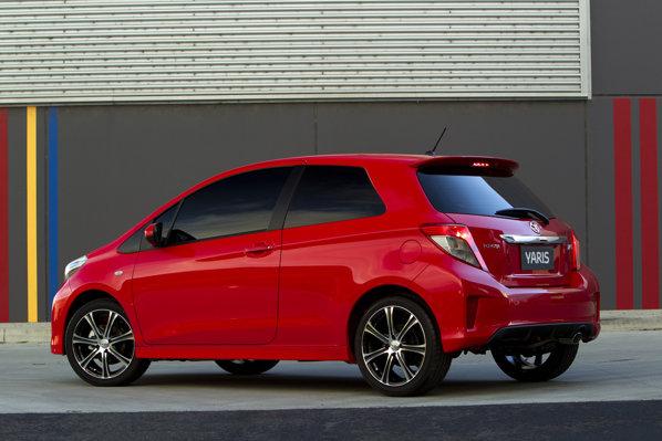 Toyota Yaris in 3 usi va avea o gama de trei motoare: doua pe benzina si un diesel
