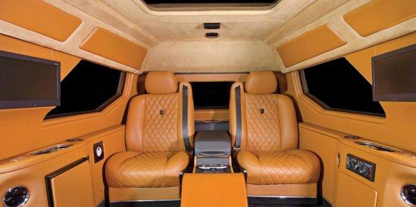 Conquest Knight XV are un interior demn de o limuzina de lux si optiuni extravagante