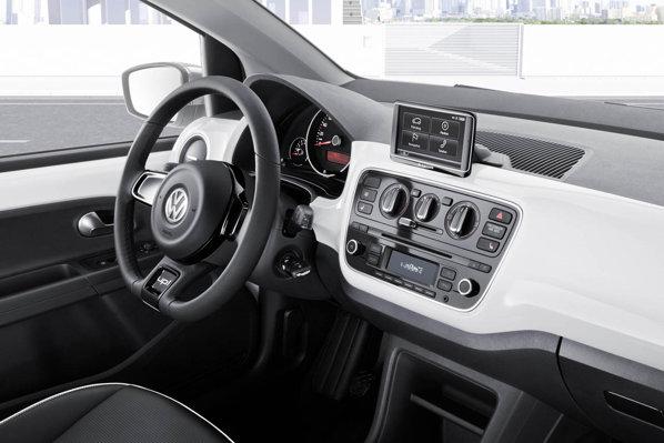 Volkswagen Up! are o plansa de bord simplista, gandita pe orizontala
