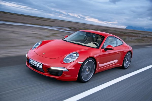 Porsche 911 Carrera: 350 CP, 0-100 km/h in 4,6 secunde si 8,2 litri/100 km