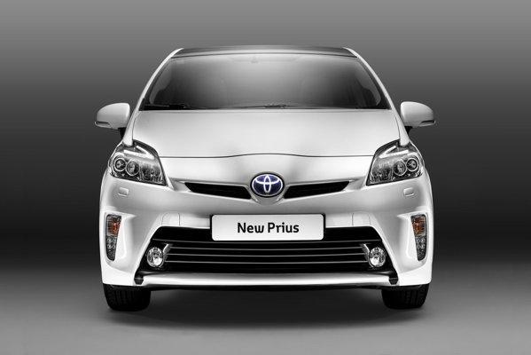 Toyota a ales Salonul Frankfurt 2011 pentru a prezenta faceliftul lui Prius.
