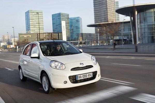 Nissan Micra 1.2 are 80 CP si consuma doar 5 litri/100 km in medie