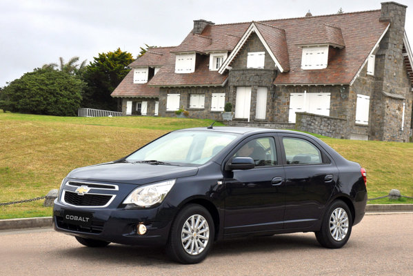Noul Chevrolet Cobalt este un sedan foarte compact, cu un stil conservator