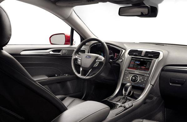 Interiorul noului Fusion/Mondeo continua linia sobrietatii, mizand pe o calitate premium