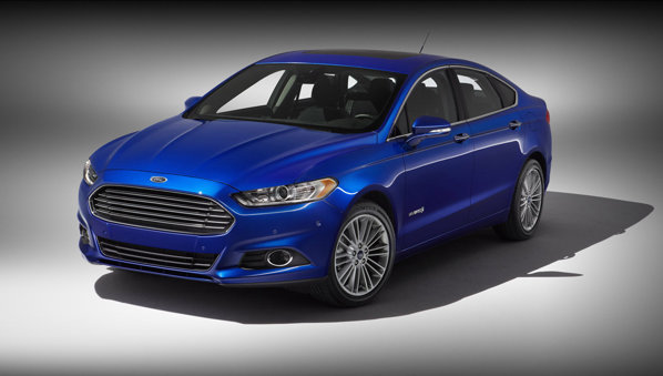 Versiunea Ford Fusion Hybrid anunta 185 CP si un consum de 47 mpg in regim urban