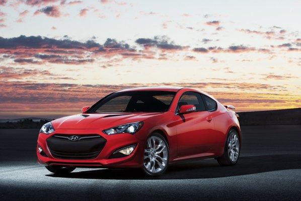 Hyundai Genesis Coupe facelift are o imagine mult mai bine evidentiata si faruri agresive