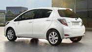 Toyota Yaris Hybrid contracarează Honda Jazz Hybrid