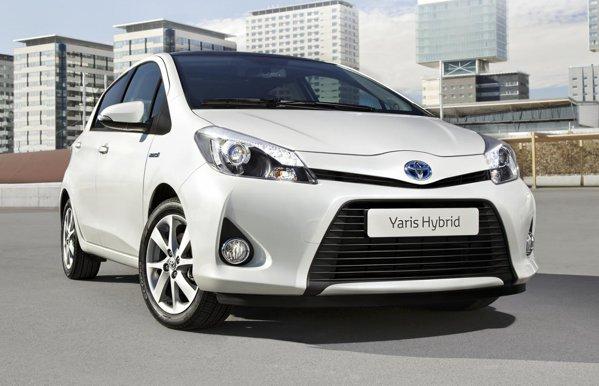 Toyota Yaris Hybrid va concura direct modelul Honda Jazz Hybrid pe piata europeana