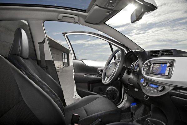 Preturile si performantle de consum ale noii Toyota Yaris Hybrid le vom afla la Geneva 2012