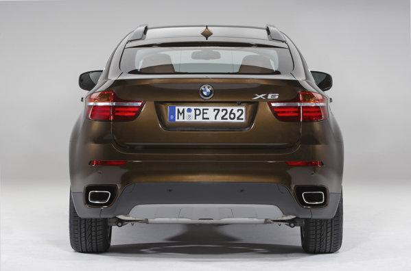 Pentru BMW X6 facelift ramane disponibila optiunea M Performance Package
