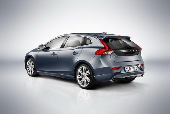 Stil foarte proaspat pentru Volvo V40, care devine un concurent redutabil pentru teutoni