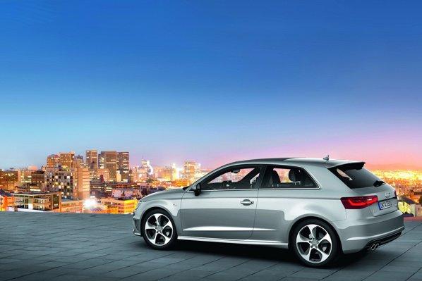 Noul Audi A3 are un gabarit foarte compact si e primul care utilizeaza noua platforma MQB