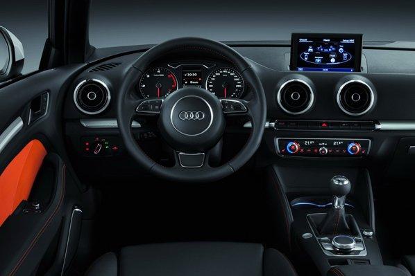 Interiorul noului Audi A3 mizeaza pe simplitate, calitate si high-tech