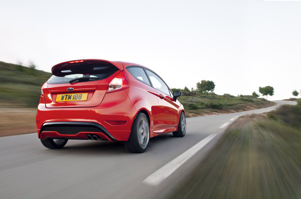 Ford Fiesta ST anunta sub 7 secunde pana la 100 kmh si cea mai buna manevrabilitate din segment
