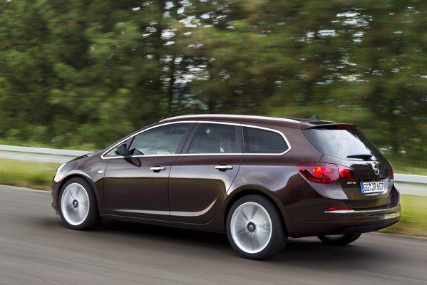 Cea mai economa versiune Opel Astra 2012 este 1.7 CDTi ecoFLEX: 3,7 litri/100 km