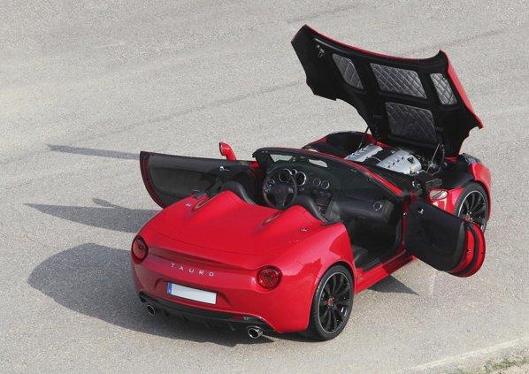 Tauro V8 Spider ofera mai multe versiuni de putere, de la 440 CP la circa 650 CP