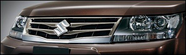 Noul facelift al lui Suzuki Grand Vitara se evidentiaza prin noua grila si farurile redesenate