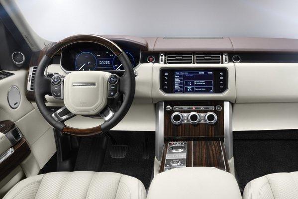 Interiorul noului Range Rover este clasic si simplist, dar si high-tech