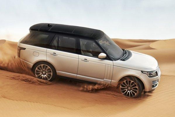 Range Rover beneficiaza de un motor pe benzina V8 si de doua dieseluri, TDV6 si TDV8