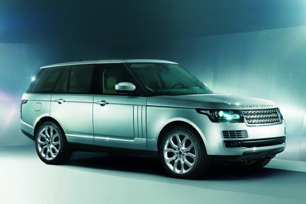 Noul Range Rover are caroserie autoportanta din aluminiu, masa fiind mai redusa cu 420 kg