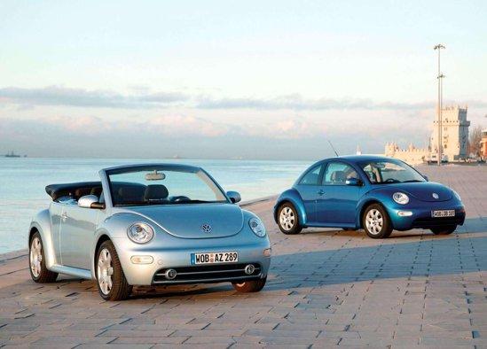 Volkswagen New Beetle a aparut in 1998, avand o conceptie total diferita constructiv de vechea Broasca