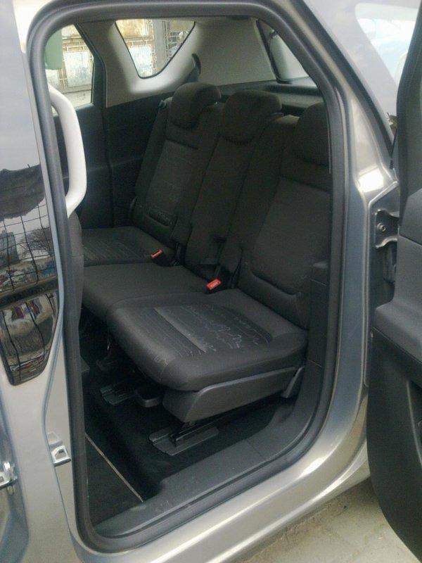 Usile din spate cu deschidere inversa ii confera lui Opel Meriva multe avantaje