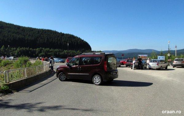 Barajul Oasa, un fel de corespondent al barajului Vidraru de pe Transfagarasan