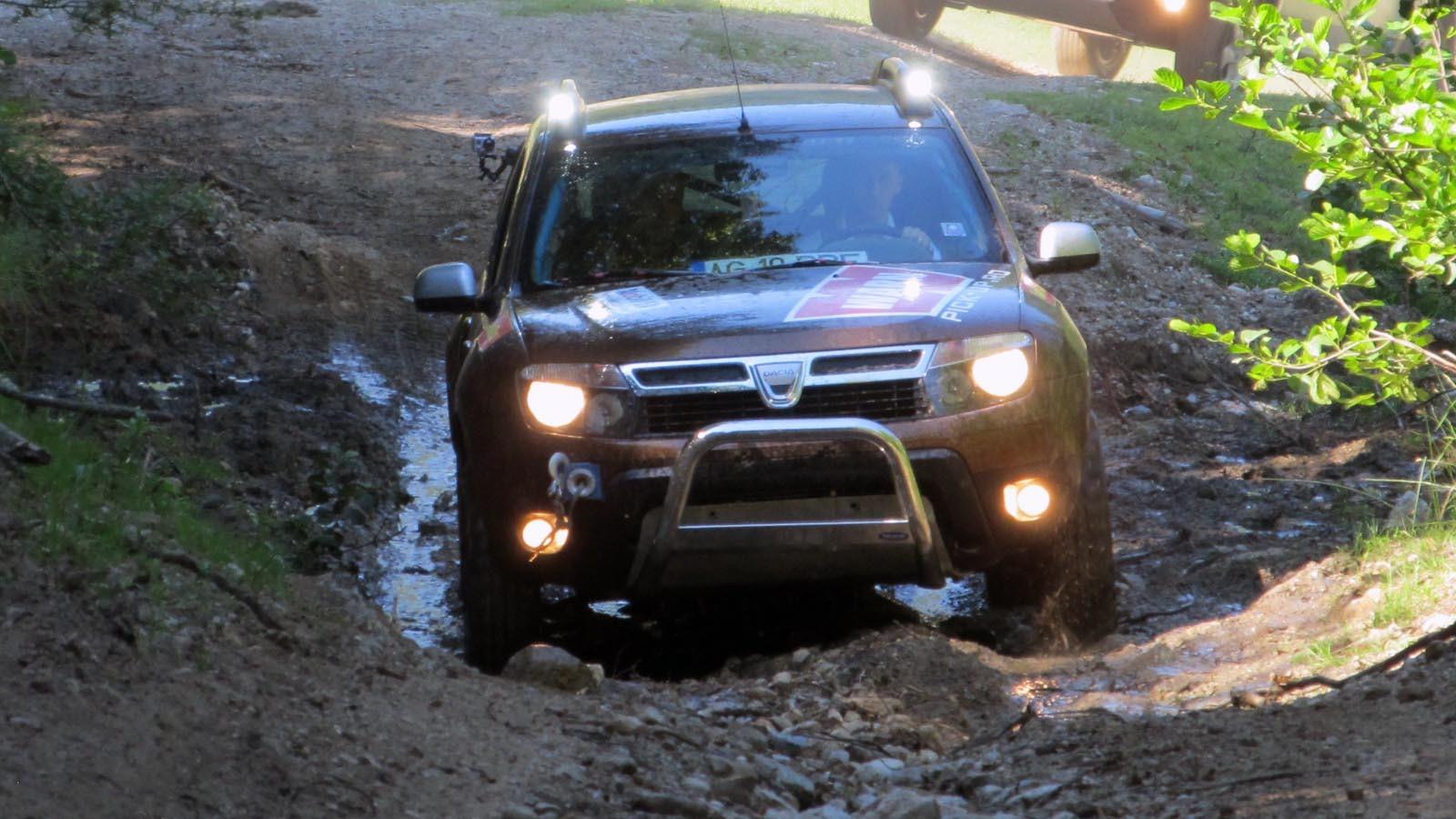 Vedeta Intalnirii Duseristilor: una dintre masinile care participa la Campionatul National de Offroad