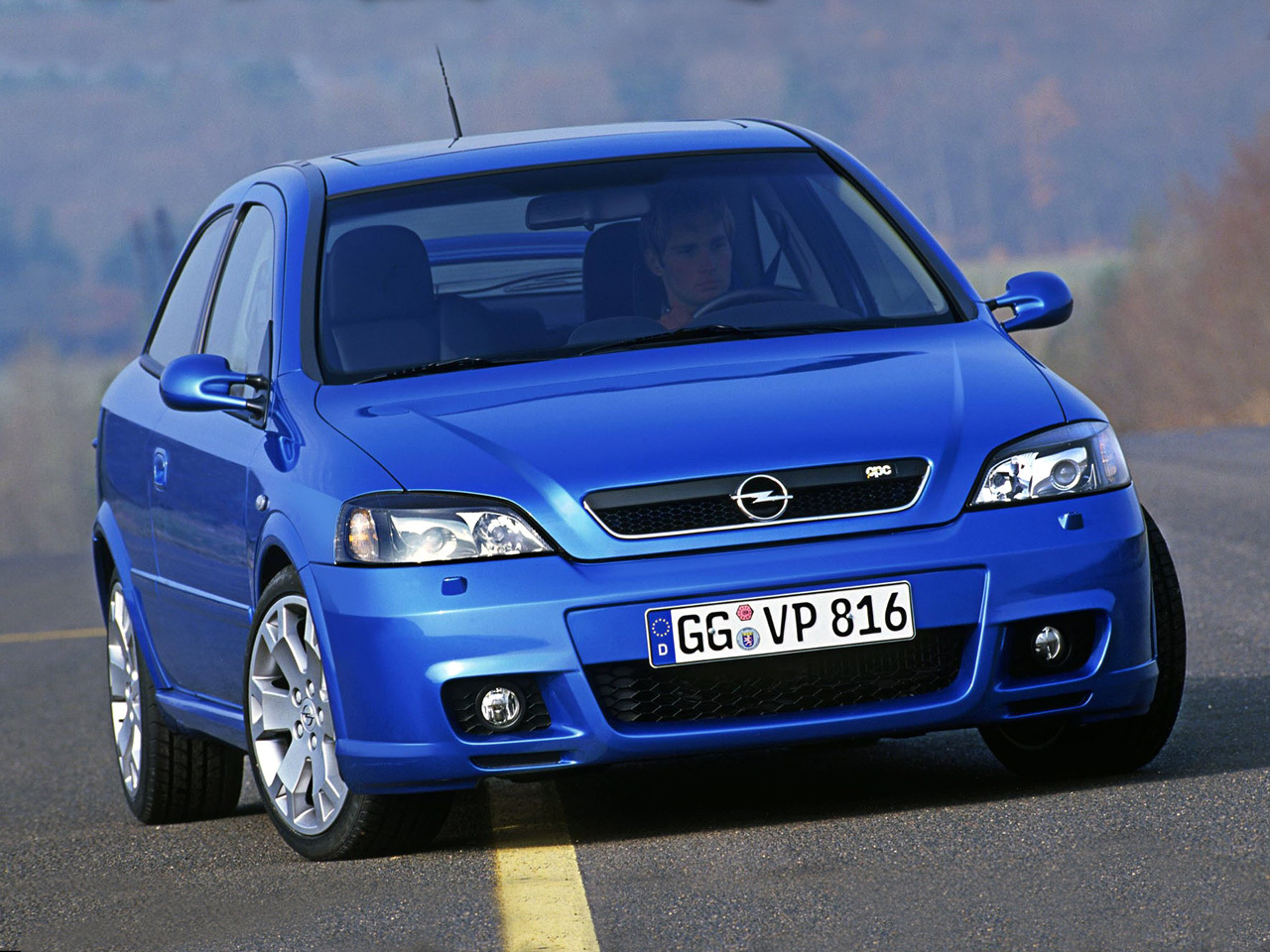 Opel performance center opc 15 ani de putere mult putere for Opel astra g interieurfilter