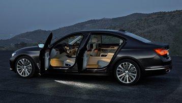 Cum arată viitorul pieţei autoturismelor de lux?