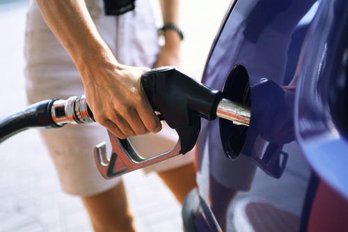 Combustibilul este tinut in rezervoare subterane, cu temperatura constanta