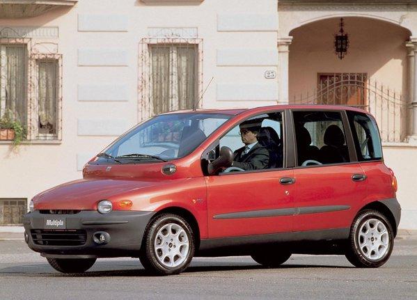 Locul 3: Fiat Multipla