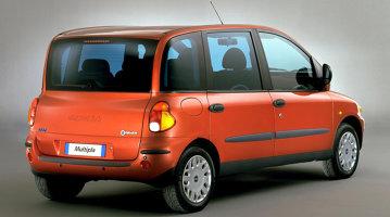 TOP 10 maşini-eşec din deceniul 2000-2010 [FOTO]