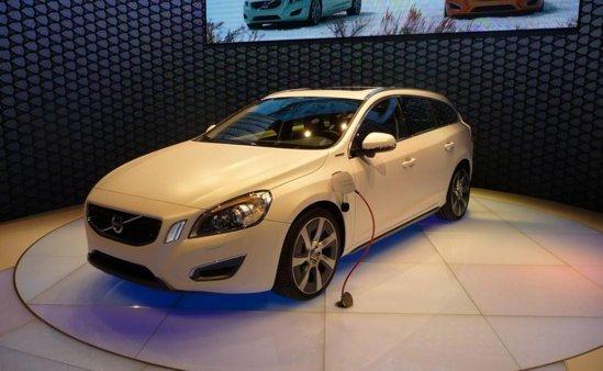 Volvo V60 diesel plug-in hybrid - emisii CO2 de 49 g/km